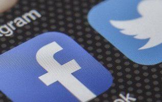 redes_sociales_smartphone